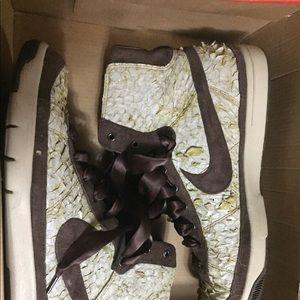 Nike Shoes - Womens Nike Blazer Mid Fish Skin Brown Sz 9 313760